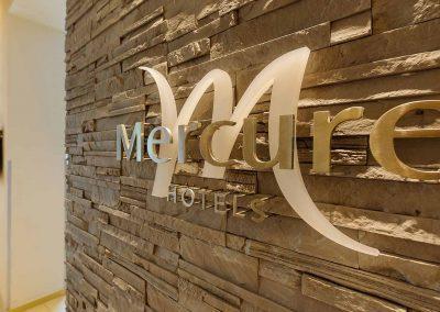 Mercure Hotel Stuttgart Sindelfingen an der Messe Closeup Wandlogo/Logo