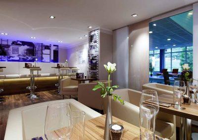 Mercure Hotel Stuttgart Sindelfingen an der Lounge mit Eingedeckten Tischen